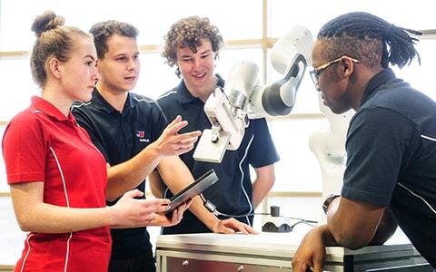 Rolls-Royce opens new Vocational Training Center in Friedrichshafen
